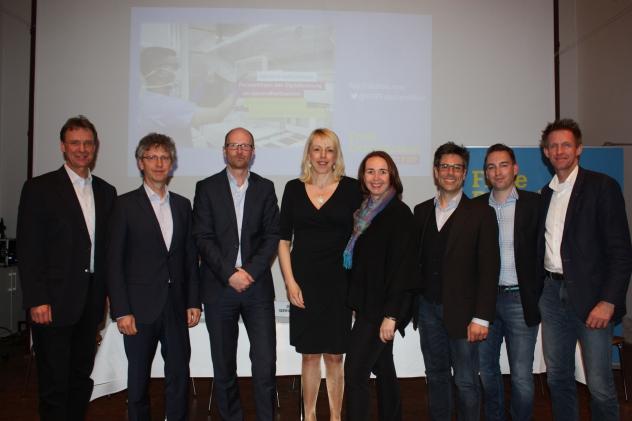 v.l.: Prof. Dr.-Ing. Urlich Rückert, Uwe Borchers, Dr. Olaf Iseringhausen, Susanne Schneider MdL, Angela Freimuth MdL, Arnd Jäger, Philip Körting, Dr. Björn Kerbein MdL